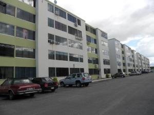Apartamento En Venta En Municipio Los Guayos, Paraparal, Venezuela, VE RAH: 16-18735