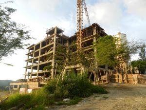 Apartamento En Venta En Caracas, Loma Linda, Venezuela, VE RAH: 16-2726