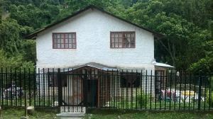Terreno En Venta En San Antonio De Los Altos, El Amarillo, Venezuela, VE RAH: 16-18765
