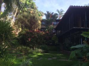 Casa En Venta En Valencia, Guataparo Country Club, Venezuela, VE RAH: 16-19680