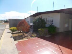 Casa En Venta En Punto Fijo, Los Taques, Venezuela, VE RAH: 16-18837