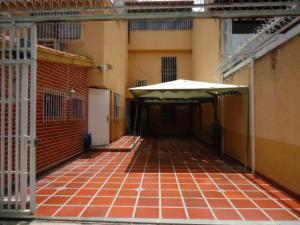 Casa En Alquiler En Caracas, La Trinidad, Venezuela, VE RAH: 16-18848
