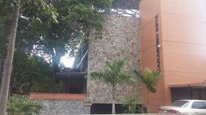 Apartamento En Venta En Caracas, El Rosal, Venezuela, VE RAH: 16-18859