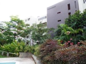 Apartamento En Venta En Caracas, Colinas De Bello Monte, Venezuela, VE RAH: 16-18877