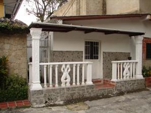 Casa En Venta En Maracay, El Castaño, Venezuela, VE RAH: 16-18886