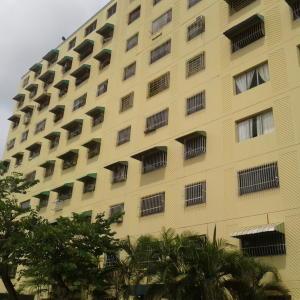 Apartamento En Venta En Charallave, La Estrella, Venezuela, VE RAH: 16-18904