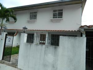 Casa En Ventaen Caracas, Alto Prado, Venezuela, VE RAH: 16-18916