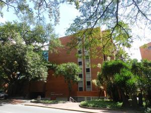 Apartamento En Venta En Caracas, Campo Alegre, Venezuela, VE RAH: 16-18918