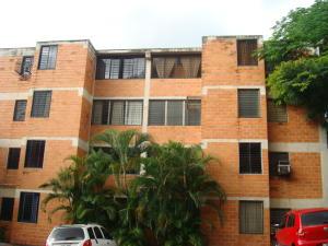Apartamento En Venta En Valencia, Las Chimeneas, Venezuela, VE RAH: 16-19106
