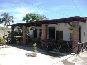 Casa En Venta En Palo Negro, Centro Palo Negro, Venezuela, VE RAH: 16-18920