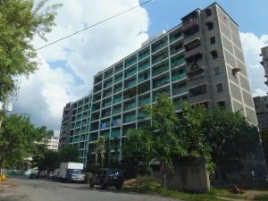 Apartamento En Venta En Guarenas, Menca De Leoni, Venezuela, VE RAH: 16-18955
