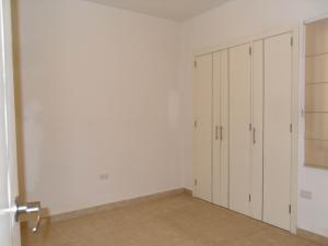 Apartamento En Venta En Valencia En La Trigaleña - Código: 16-18965