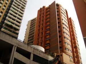 Apartamento En Venta En Valencia, Los Mangos, Venezuela, VE RAH: 16-18981