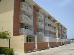 Apartamento En Venta En Higuerote, La Costanera, Venezuela, VE RAH: 16-19011