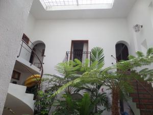 Casa En Venta En Caracas, Las Marías, Venezuela, VE RAH: 16-19086