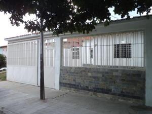 Casa En Venta En Guacara, El Saman, Venezuela, VE RAH: 16-19215