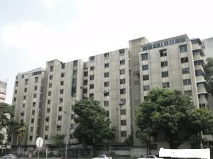 Apartamento En Venta En Caracas, La Florida, Venezuela, VE RAH: 16-19028