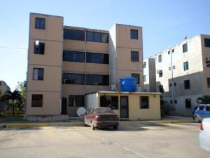 Apartamento En Venta En Municipio Los Guayos, Buenaventura, Venezuela, VE RAH: 16-19030