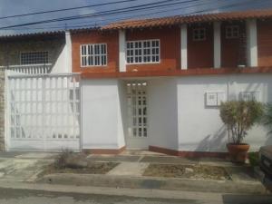 Casa En Ventaen Turmero, La Mantuana, Venezuela, VE RAH: 16-19035