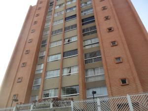 Apartamento En Venta En Caracas, El Paraiso, Venezuela, VE RAH: 16-19051