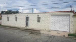 Casa En Venta En Cabudare, Parroquia Cabudare, Venezuela, VE RAH: 16-19052