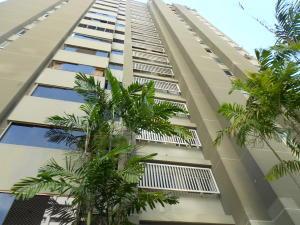 Apartamento En Venta En Caracas, Manzanares, Venezuela, VE RAH: 16-19074