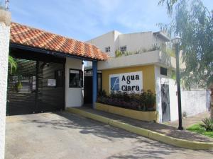 Townhouse En Venta En Puerto Ordaz, La Querencia, Venezuela, VE RAH: 16-19137