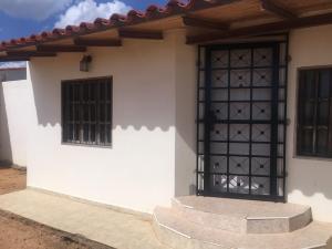 Casa En Venta En Punto Fijo, Puerta Maraven, Venezuela, VE RAH: 16-19166