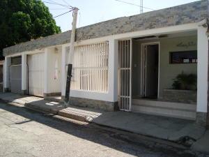 Casa En Venta En Guacara, Ciudad Alianza, Venezuela, VE RAH: 16-19192