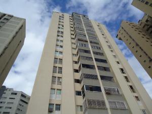 Apartamento En Venta En Caracas, Lomas De Prados Del Este, Venezuela, VE RAH: 16-19211