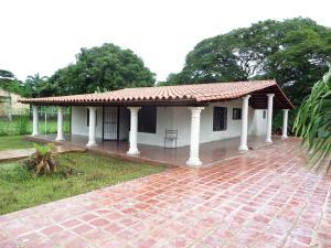 Casa En Ventaen Rio Chico, San Jose, Venezuela, VE RAH: 16-19222