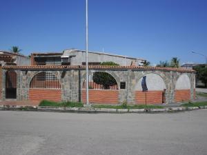 Casa En Venta En Valencia, El Recreo, Venezuela, VE RAH: 16-19224