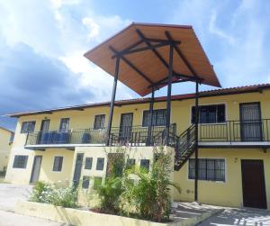 Apartamento En Venta En Villa De Cura, Zona Industrial Los Tanques, Venezuela, VE RAH: 16-19231