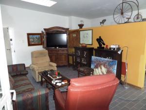 Casa En Venta En Caracas - Los Guayabitos Código FLEX: 16-19239 No.13