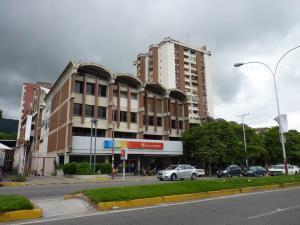 Apartamento En Venta En Maracay, El Limon, Venezuela, VE RAH: 16-19240