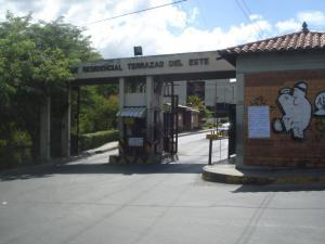 Apartamento En Venta En Guarenas, Terrazas Del Este, Venezuela, VE RAH: 16-19244