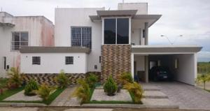 Casa En Venta En Maturin, Maturin, Venezuela, VE RAH: 16-19249