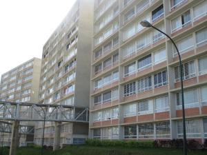 Apartamento En Venta En Caracas, El Encantado, Venezuela, VE RAH: 16-19269