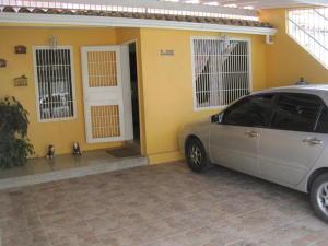 Casa En Venta En Cabudare, El Amanecer, Venezuela, VE RAH: 16-19305