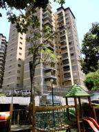 Apartamento En Venta En Caracas, Terrazas Del Club Hipico, Venezuela, VE RAH: 16-19310