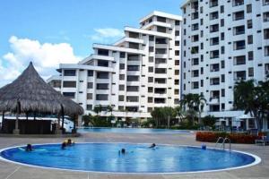 Apartamento En Alquiler En Lecheria, Venecia, Venezuela, VE RAH: 16-19315