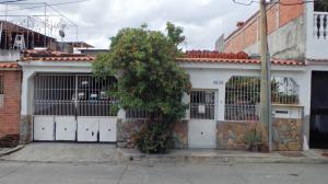Casa En Venta En Guatire, El Castillejo, Venezuela, VE RAH: 16-19672