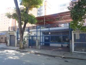 Casa En Venta En Caracas, Los Chaguaramos, Venezuela, VE RAH: 16-19323