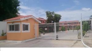 Casa En Venta En Charallave, Vista Linda, Venezuela, VE RAH: 16-19423