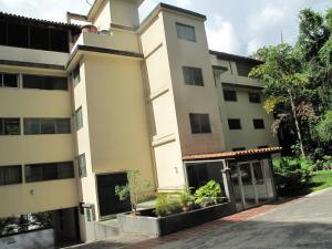 Apartamento En Venta En Caracas, Colinas De Bello Monte, Venezuela, VE RAH: 16-19409