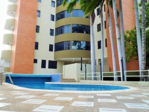 Apartamento En Alquiler En Lecheria, Casco Central, Venezuela, VE RAH: 16-19439