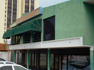 Local Comercial En Alquiler En Maracaibo, Santa Maria, Venezuela, VE RAH: 16-19698