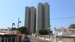 Apartamento En Venta En Maracaibo, Don Bosco, Venezuela, VE RAH: 16-19469