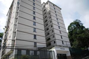 Apartamento En Venta En San Antonio De Los Altos, El Picacho, Venezuela, VE RAH: 16-19591