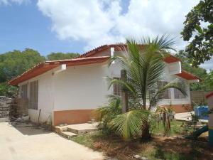 Casa En Venta En Rio Chico, Los Apamates, Venezuela, VE RAH: 16-19752